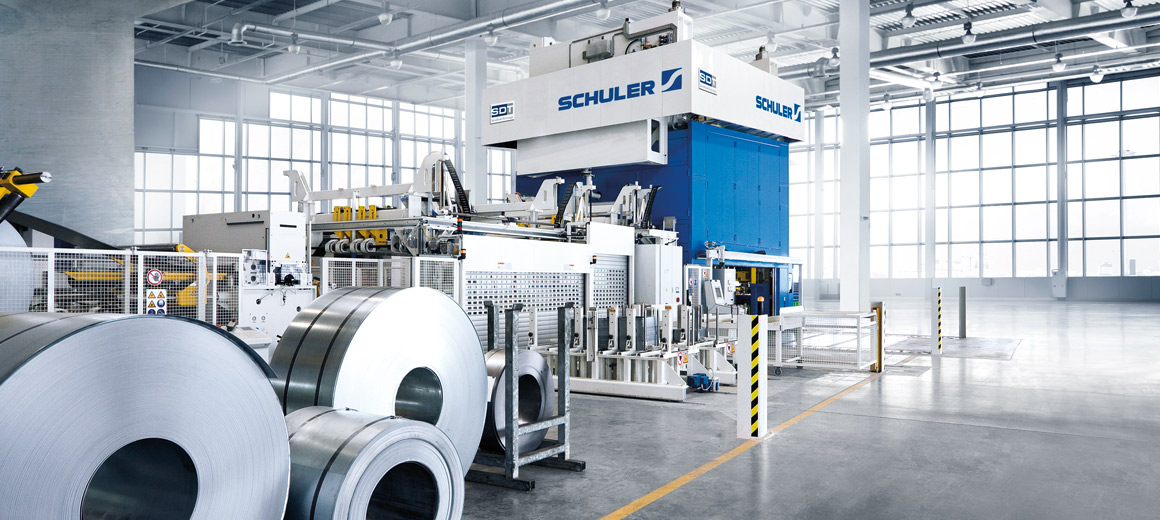 As a specialist in PC-based control technology, Beckhoff provides proven, high-performance automation solutions for sheet metal working. © Schuler AG