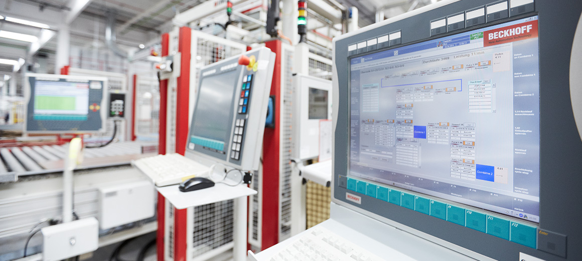 Maximum data transparency in kitchen manufacturing through PC-based control technology